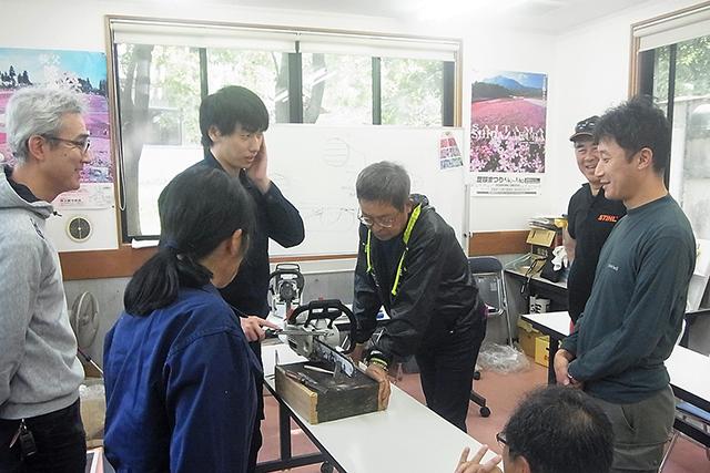 ログスクール(きこりの学校)